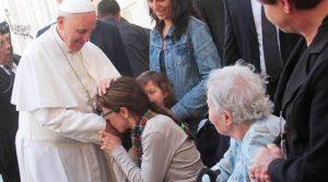 El Papa Francisco invita a los médicos a ser como el buen samaritano